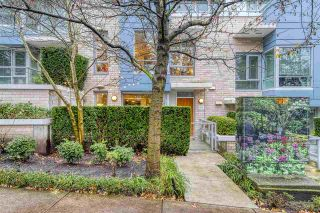 "Photo 1: 186 CHESTERFIELD Avenue in North Vancouver: Lower Lonsdale Townhouse for sale in ""Ventana"" : MLS®# R2423323"