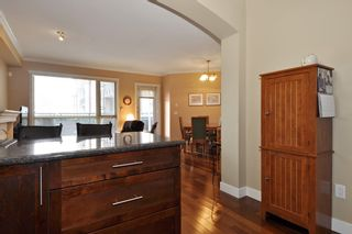 Photo 4: 215 2627 SHAUGHNESSY STREET in Port Coquitlam: Central Pt Coquitlam Condo for sale : MLS®# R2148005