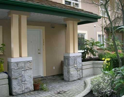 """Main Photo: 102 257 E KEITH RD in North Vancouver: Lower Lonsdale Townhouse for sale in """"MCNAIR PARK"""" : MLS®# V583707"""