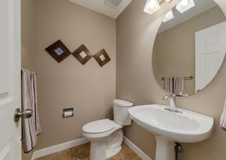 Photo 13: 151 Douglas Woods Hill SE in Calgary: Douglasdale/Glen Detached for sale : MLS®# A1092214