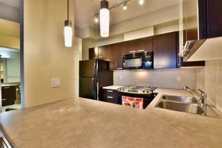 """Photo 5: 213 10455 UNIVERSITY Drive in Surrey: Whalley Condo for sale in """"D'Cor"""" (North Surrey)  : MLS®# R2443325"""