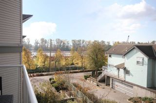 """Photo 1: 11 2711 E KENT AVENUE NORTH Avenue in Vancouver: Fraserview VE Townhouse for sale in """"RIVERSIDE GARDENS"""" (Vancouver East)  : MLS®# R2010542"""