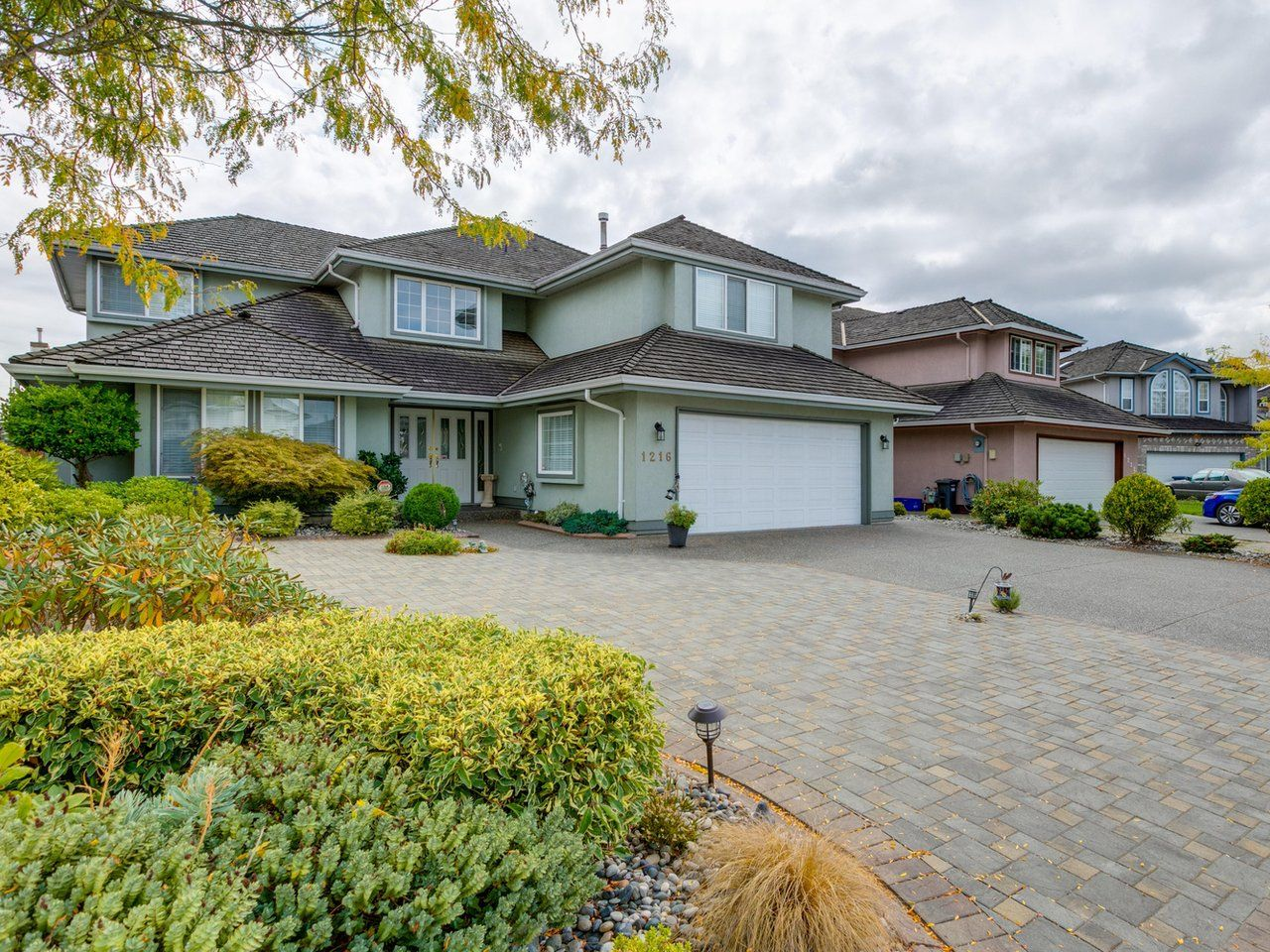 Photo 2: Photos: 1216 PRETTY Court in New Westminster: Queensborough House for sale : MLS®# R2617375