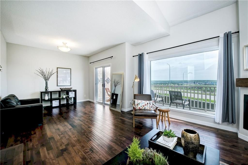 Main Photo: 90 5810 PATINA Drive SW in Calgary: Patterson Row/Townhouse for sale : MLS®# C4303432