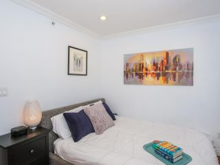 Photo 16: 2151 TRIUMPH Street in Vancouver: Hastings Sunrise 1/2 Duplex for sale (Vancouver East)  : MLS®# R2412946