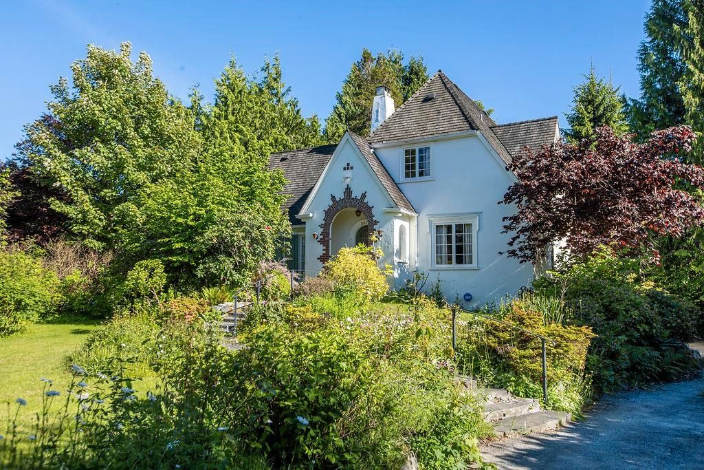 Main Photo: 5612 MCMASTER Road in Vancouver: University VW House for sale (Vancouver West)  : MLS®# R2616001