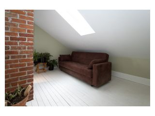 """Photo 9: 2356 CHARLES Street in Vancouver: Grandview VE House for sale in """"COMMERCIAL DRIVE"""" (Vancouver East)  : MLS®# V826451"""