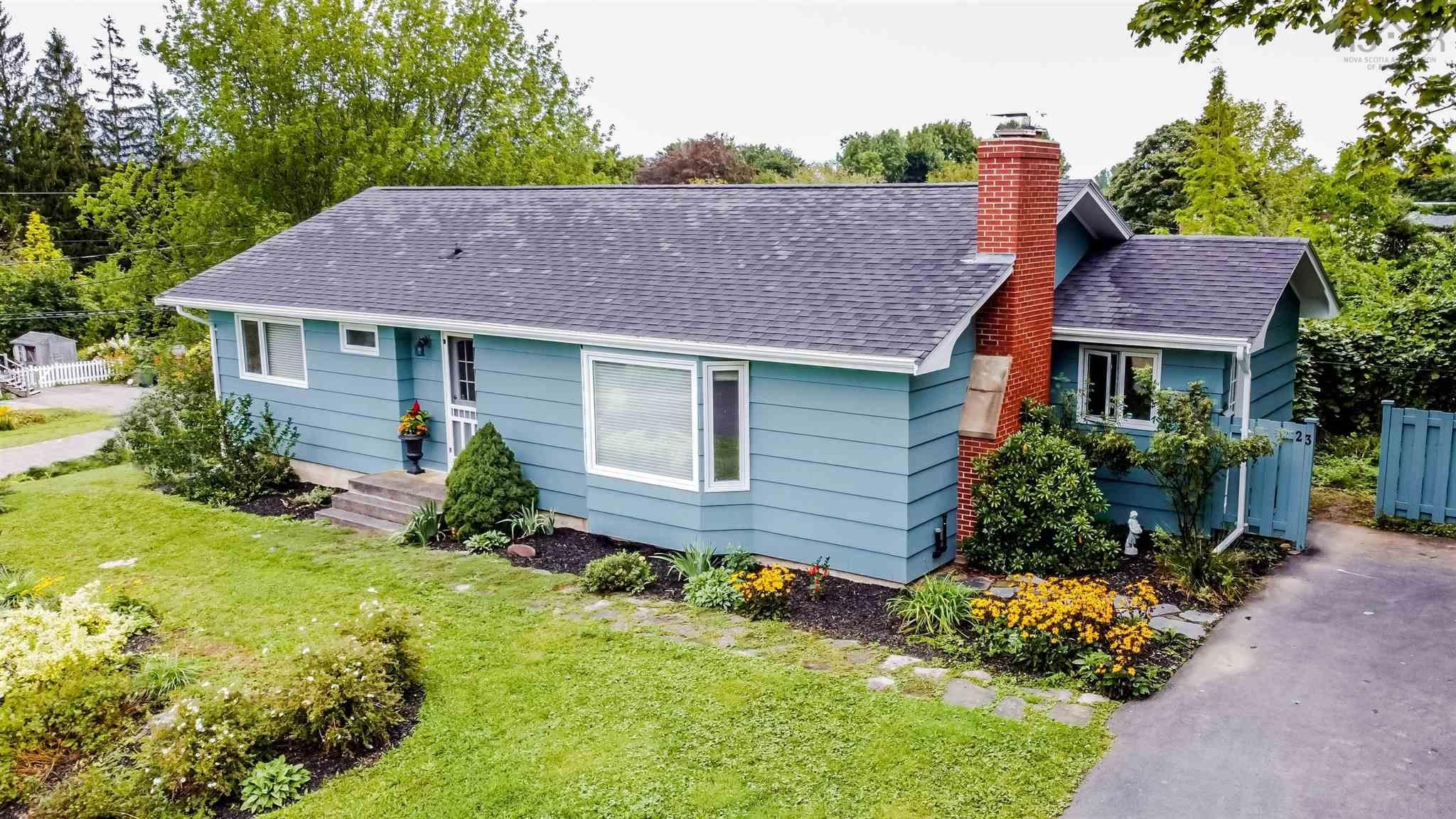 Main Photo: 23 Sherwood Drive in Wolfville: 404-Kings County Residential for sale (Annapolis Valley)  : MLS®# 202123646