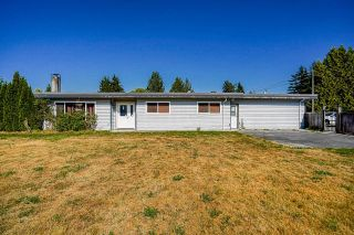 Photo 1: 22621 BROWN Avenue in Maple Ridge: East Central House for sale : MLS®# R2601756