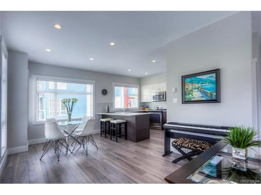 Main Photo: 110 2737 Jacklin Rd in VICTORIA: La Langford Proper Row/Townhouse for sale (Langford)  : MLS®# 748883