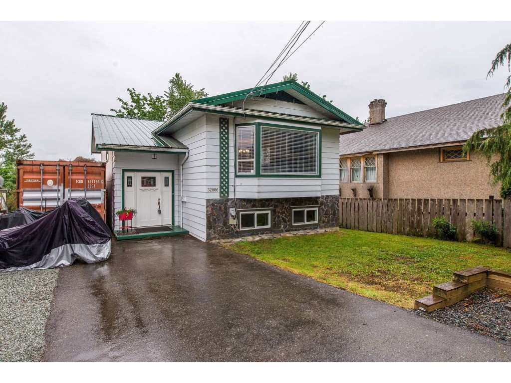 Main Photo: 32886 1 Avenue in Mission: Mission BC House for sale : MLS®# R2369168