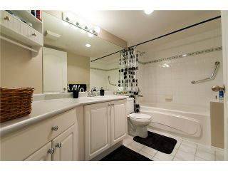 """Photo 8: 406 2559 PARKVIEW Lane in Port Coquitlam: Central Pt Coquitlam Condo for sale in """"THE CRESCENT"""" : MLS®# V864075"""