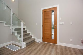Photo 5: 7928 Lochside Dr in Central Saanich: CS Turgoose Row/Townhouse for sale : MLS®# 830559