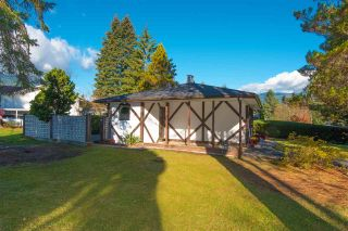 Photo 2: 2509 LAURALYNN Drive in North Vancouver: Westlynn House for sale : MLS®# R2359642