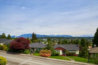 """Photo 18: 824 SURREY Street in New Westminster: The Heights NW House for sale in """"THE HEIGHTS"""" : MLS®# R2064909"""