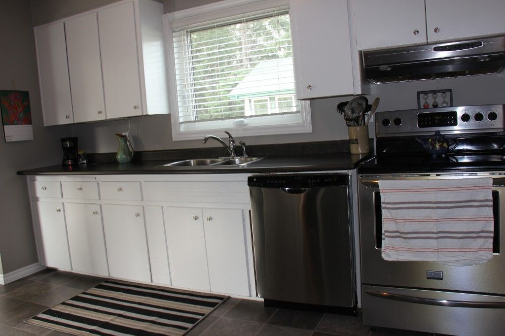 Photo 9: Photos: : Residential for sale : MLS®# 1718337