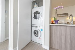 """Photo 49: 3003 4900 LENNOX Lane in Burnaby: Metrotown Condo for sale in """"THE PARK METROTOWN"""" (Burnaby South)  : MLS®# R2418432"""
