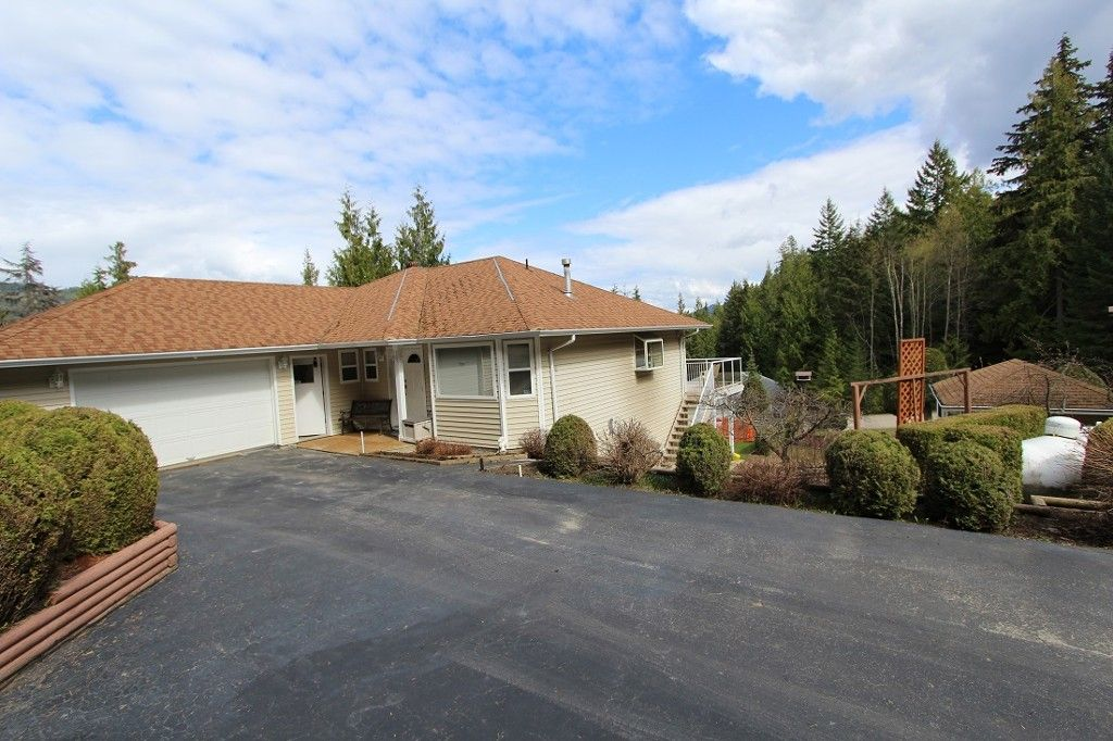Main Photo: 48 4498 Squilax Anglemont Road in Scotch Creek: North Shuswap House for sale (Shuswap)  : MLS®# 1013308
