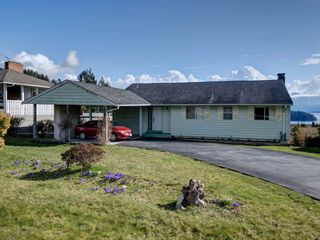 Photo 2: 1536 THOMPSON Road in Gibsons: Gibsons & Area House for sale (Sunshine Coast)  : MLS®# R2597890
