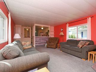 Photo 4: 5 1498 Admirals Rd in VICTORIA: VR Glentana Manufactured Home for sale (View Royal)  : MLS®# 822179