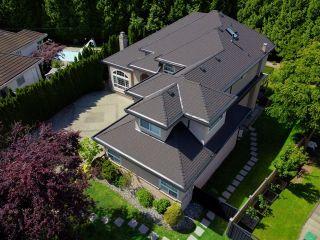 "Photo 3: 16423 89 Avenue in Surrey: Fleetwood Tynehead House for sale in ""FLEETWOOD ESTATES"" : MLS®# R2463402"