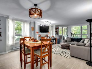 """Photo 1: 302 412 TWELFTH Street in New Westminster: Uptown NW Condo for sale in """"WILTSHIRE HEIGHTS"""" : MLS®# R2625659"""