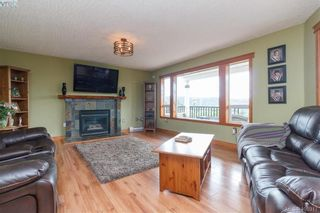 Photo 4: 668 Caleb Pike Rd in VICTORIA: Hi Western Highlands House for sale (Highlands)  : MLS®# 798693
