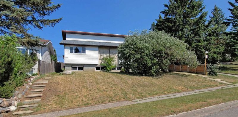 FEATURED LISTING: 206 10 Street Cold Lake