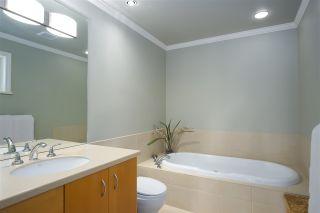 "Photo 18: 3389 W 2ND Avenue in Vancouver: Kitsilano 1/2 Duplex for sale in ""Kitsilano"" (Vancouver West)  : MLS®# R2368470"