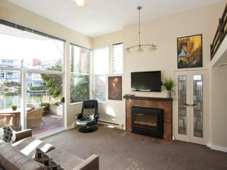"""Photo 1: 1598 ISLAND PARK Walk in Vancouver: False Creek Townhouse for sale in """"THE LAGOONS"""" (Vancouver West)  : MLS®# V1052642"""
