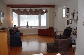 Photo 4: 79 Greyabbey Tr in Toronto: House (Bungalow) for sale : MLS®# E1361418