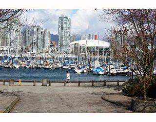 """Photo 1: 815 SAWCUT BB in Vancouver: False Creek Townhouse for sale in """"HEATHER POINT"""" (Vancouver West)  : MLS®# V759848"""
