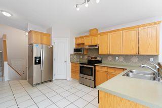 Photo 5: 8415 156 Ave NW in Edmonton: Zone 28 House Half Duplex for sale : MLS®# E4248433