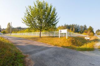 Photo 1: 1765 McTavish Rd in : NS Airport House for sale (North Saanich)  : MLS®# 857310