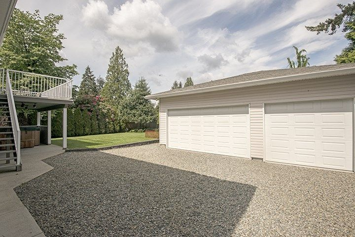 Photo 16: Photos: 1327 BRISBANE Avenue in Coquitlam: Harbour Chines House for sale : MLS®# R2061600