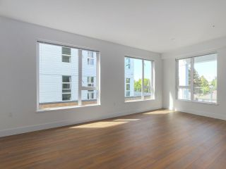 """Photo 5: 307 6933 CAMBIE Street in Vancouver: Cambie Condo for sale in """"MOSAIC CAMBRIA PARK"""" (Vancouver West)  : MLS®# R2379345"""
