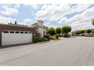 """Photo 2: 30 31450 SPUR Avenue in Abbotsford: Abbotsford West Townhouse for sale in """"Lakepointe Villas"""" : MLS®# R2475174"""