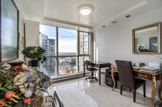 """Photo 12: 2202 1408 STRATHMORE Mews in Vancouver: Yaletown Condo for sale in """"WEST ONE"""" (Vancouver West)  : MLS®# R2432434"""