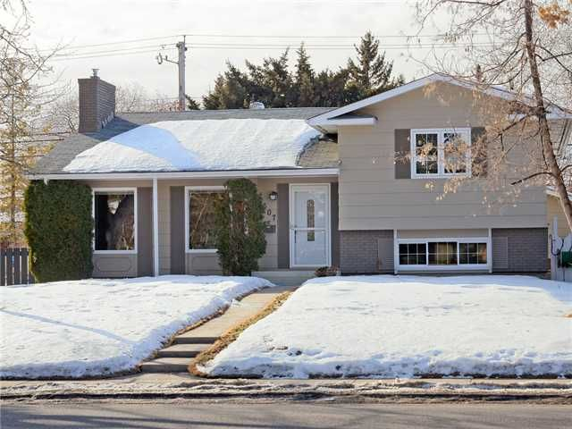 FEATURED LISTING: 607 WILLINGDON Boulevard Southeast CALGARY
