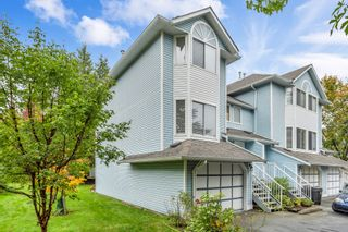 """Photo 2: 4 8220 121A Street in Surrey: Queen Mary Park Surrey Townhouse for sale in """"BARKERVILLE II"""" : MLS®# R2508903"""