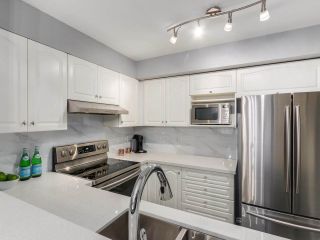 Photo 4: 5 2378 RINDALL AVENUE in Port Coquitlam: Central Pt Coquitlam Condo for sale : MLS®# R2263308