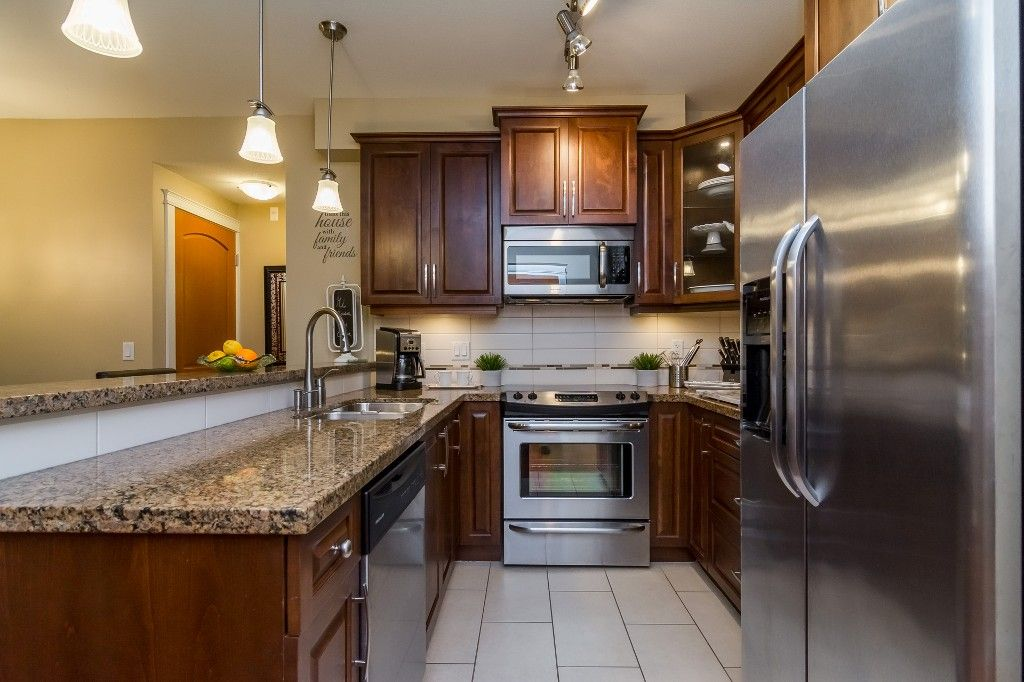 """Photo 12: Photos: 155 8328 207A Street in Langley: Willoughby Heights Condo for sale in """"YORKSON CREEK"""" : MLS®# R2201226"""