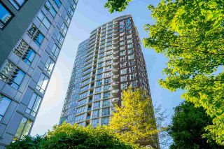 """Photo 35: 2306 550 PACIFIC Street in Vancouver: Yaletown Condo for sale in """"AQUA AT THE PARK"""" (Vancouver West)  : MLS®# R2580725"""