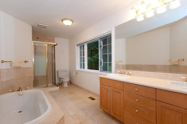 Photo 6: Photos: 115 BONNYMUIR Drive in West Vancouver: Glenmore House for sale : MLS®# V860701