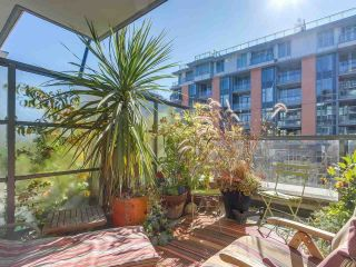 """Photo 7: 375 2080 W BROADWAY in Vancouver: Kitsilano Condo for sale in """"PINNACLE LIVING ON BROADWAY"""" (Vancouver West)  : MLS®# R2211453"""