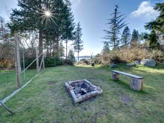 """Photo 30: 8089 REDROOFFS Road in Halfmoon Bay: Halfmn Bay Secret Cv Redroofs House for sale in """"WELCOME WOODS"""" (Sunshine Coast)  : MLS®# R2563771"""
