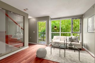 """Photo 3: 883 HELMCKEN Street in Vancouver: Downtown VW Townhouse for sale in """"The Canadian"""" (Vancouver West)  : MLS®# R2594819"""