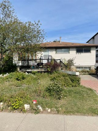 Main Photo: 8136 46 Avenue NW in Calgary: Bowness Detached for sale : MLS®# A1144890