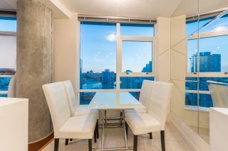"""Photo 7: 2602 939 EXPO Boulevard in Vancouver: Yaletown Condo for sale in """"MAX II"""" (Vancouver West)  : MLS®# R2208593"""