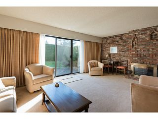 """Photo 2: 33 11551 KINGFISHER Drive in Richmond: Westwind Townhouse for sale in """"WEST CHELSEA/WESTWIND"""" : MLS®# V1044115"""